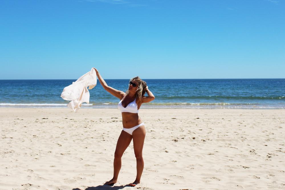 white bikini+