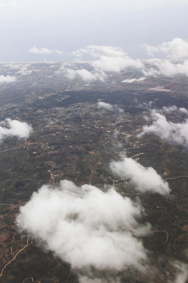 Högt över molnen